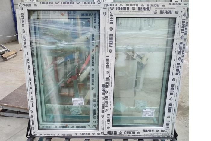Окно пластиковое 1300х1100 32 с/п Rehau